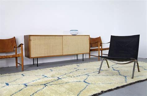 wollteppich modern vintage berber wollteppich wei 223 blau adore modern