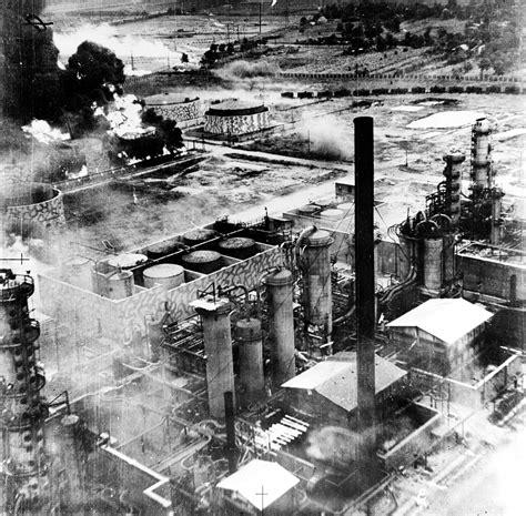 a world war ii 0750255641 file ploiesti 1943 bombardament jpg wikimedia commons