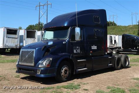 2006 volvo semi truck for sale 2006 volvo vnl semi truck item dd1635 sold september
