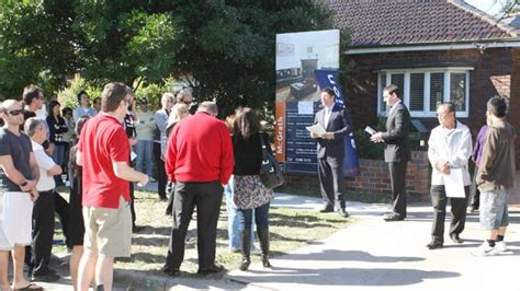 sees record number of homes up for auction as