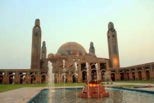 Handcrafted Chandeliers Grand Jamia Largest Mosque In Pakistan Xcitefun Net