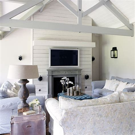 Off White Ceiling Fan Vaulted Ceiling Living Room Vaulted Ceiling Decorating Ideas Living Room