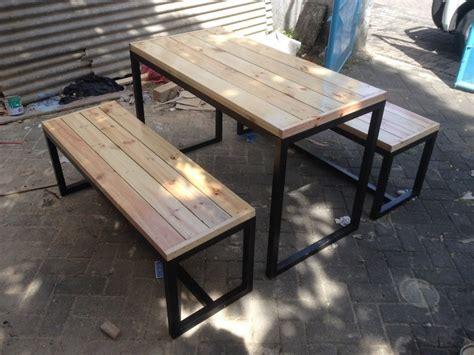 Kursi Kayu Untuk Cafe 24 desain kursi kayu cafe minimalis modern 2018 desain