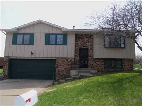 houses for sale in davenport iowa 1325 w 41st st davenport iowa 52806 detailed property info foreclosure homes free