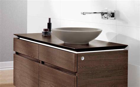 mobili bagno colorati lavabi colorati per un bagno di design cose di casa
