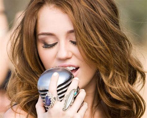 biography miley cyrus miley cyrus biography age dob height albums songs