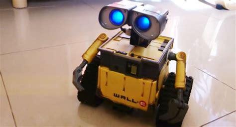 como hacer un wall e con material reciclable robot wall e con arduino y reconocimiento de voz