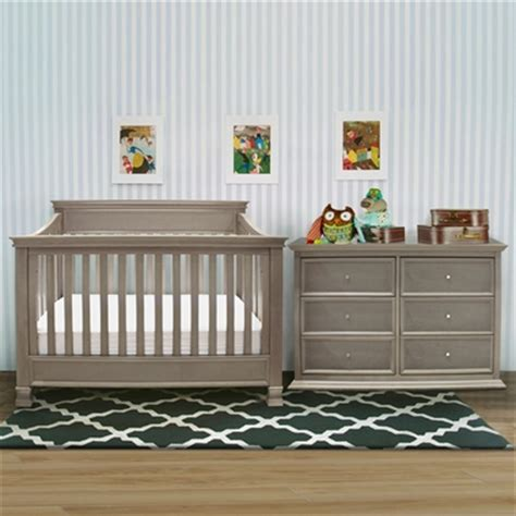 Million Dollar Baby Crib Set Million Dollar Baby 3 Nursery Set Foothill 4 In 1 Convertible Crib 6 Drawer Dresser And