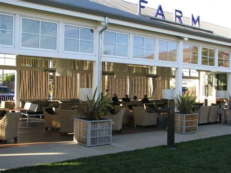 Farmhouse Designs carneros inn farm feather factor