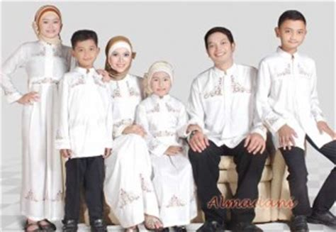 Baju Muslim Keluarga Besar Koleksi Baju Terbaru Silmi 20 desain baju muslim keluarga seragam terbaru baju muslimah modern