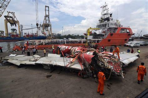 airasia jatuh 2017 penakan lengkap bangkai airasia qz8501 saat diserahkan