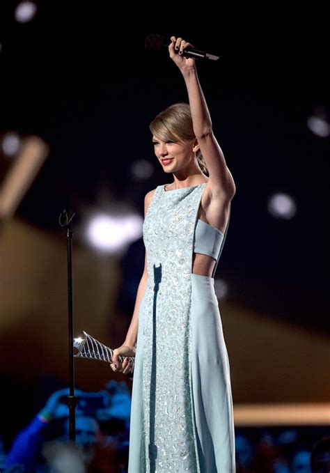 taylor swift first country song when will country let go of taylor swift country music