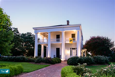 Earle Harrison House by Wedding Photographer Earle Harrison House And Pape Gardens In Waco Songbird