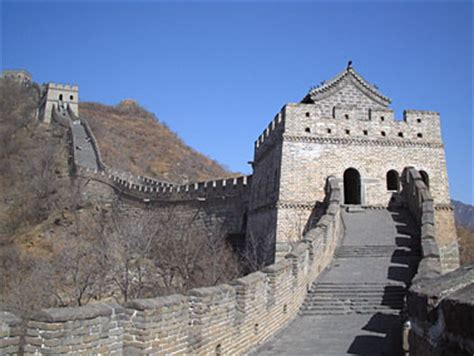 10 most famous cultural monuments and landmarks around the