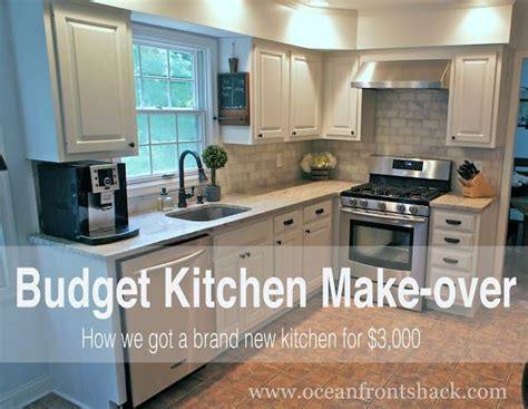 kitchen makeover on a budget ideas 25 best ideas about small kitchen makeovers on
