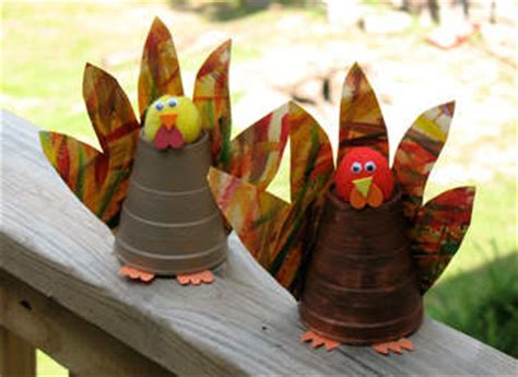 Paper Cup Turkey Craft - paper cup turkeys family crafts
