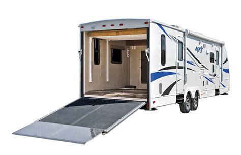wohnwagen garage luxus amerikanische wohnwagen mit garage atv magazin