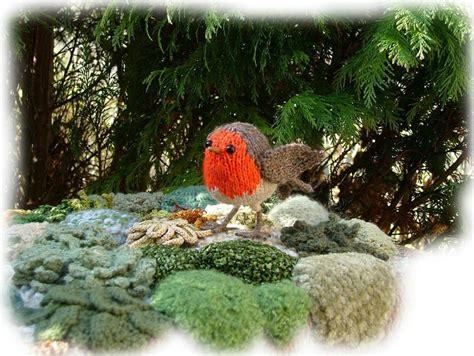 knitting pattern christmas robin robin redbreast toy knitting pattern by georgina manvell