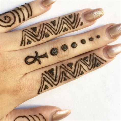 henna tattoo in egypt simple geometric henna pattern mehndi