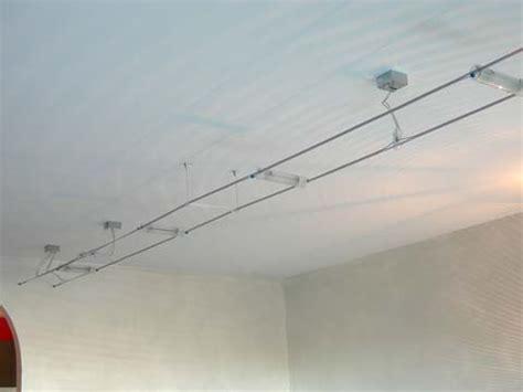 immagini ladari moderni illuminazione con tiranti alimentazion binario shock 40