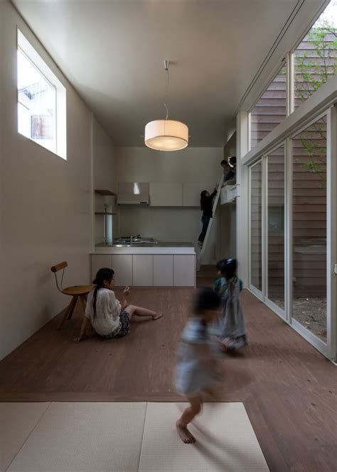modern japanese house   surprise garden
