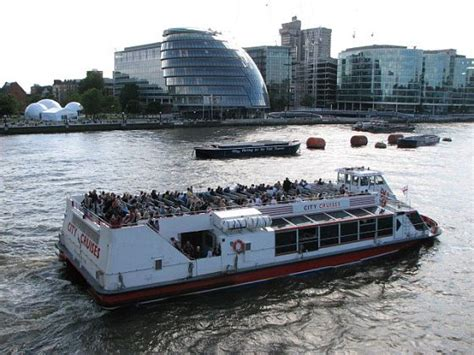 thames river cruise big bus pictures of london
