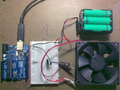 transistor controls use arduino with tip120 transistor to motors and high power devices all