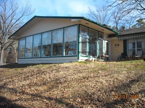 secluded lakefront cabin 3 br vacation cabin for rent in