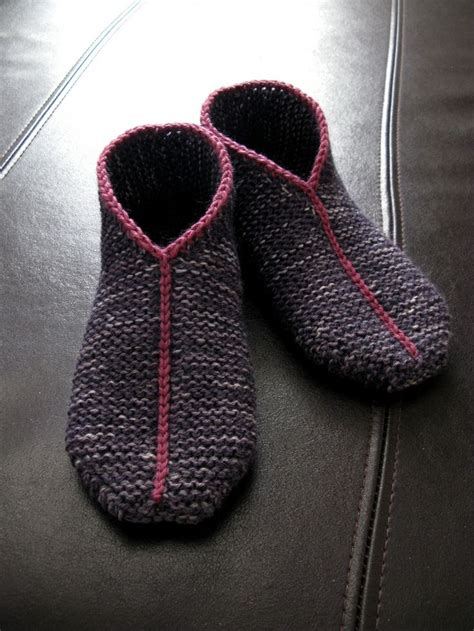 basic knit slipper pattern simple garter stitch slippers by hanna lev 228 niemi free