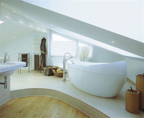 Beleuchtung Offenes Dachgeschoss by 7 Tipps F 252 R Das Badezimmer Unterm Dach Bauen De