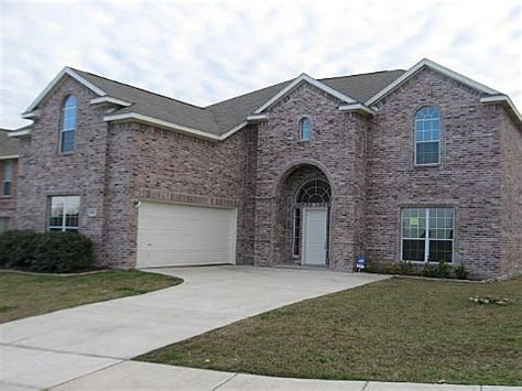 814 christine drive cedar hill tx 75104 foreclosed home
