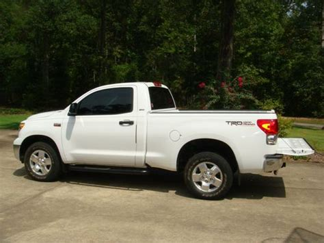 toyota tundra 2 door find used 2007 toyota tundra base standard cab 2