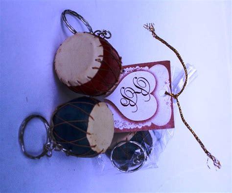 Souvenir Pernikahan Gantungan Kunci Kendang souvenir pernikahan berbentuk gantungan kunci kendang