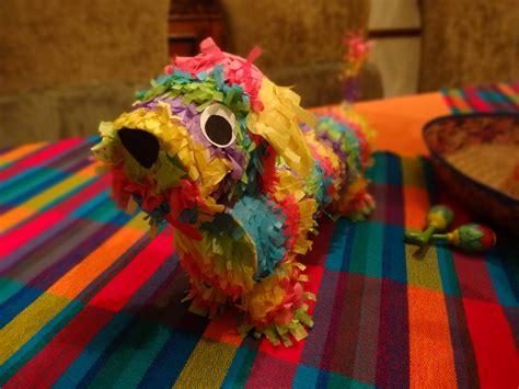 Handmade Pinata - dachshund pi 241 ata em pie