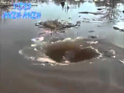 Cempaka Pusaran Bumi bukti kebesaran allah pusaran air di bumi terbuka