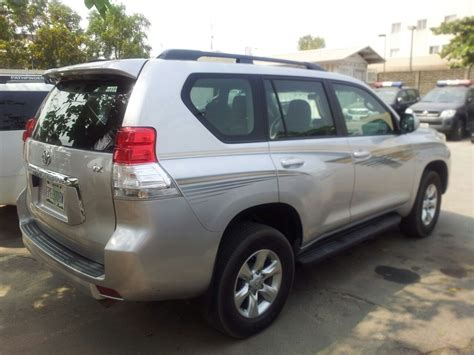 4 cylinder suv with 3rd row seating sold 2010 prado with 3rd row seat 18km 4 cylinder