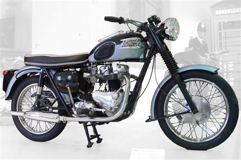 Motorrad Triumph Bonneville by 301 Moved Permanently