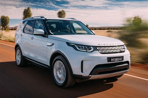 discovery land rover review 2017 land rover discovery review whichcar