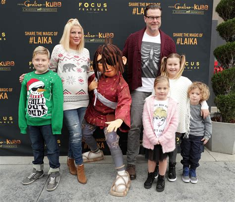 Toris Baby Bump by Spelling Gets Festive During Family Day Out