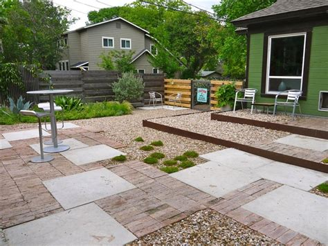 32 cheap and easy backyard ideas 32 cheap and easy backyard ideas that are buzzfeed autos post