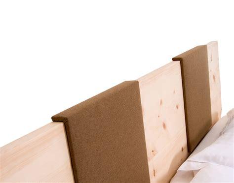 was mã mã nner im bett besonders bett zirbenholz graz zirbenholz kaufen holz der zirbe