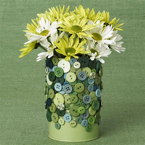 Tin Flower Vase by 25 Ways To Convert Tin Cans Into Something Beautiful