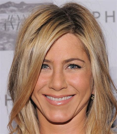 aniston eye color