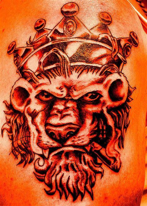queen leo tattoo 17 best ideas about king crown tattoo on pinterest queen