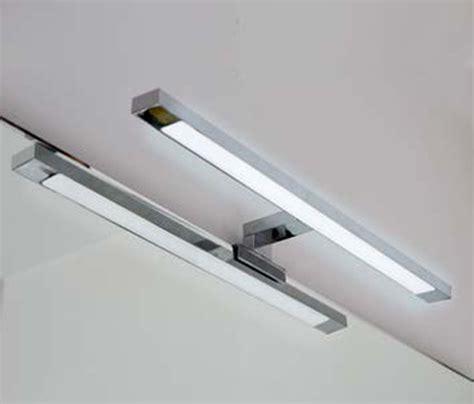 applique da bagno applique da bagno lada a led cromata per montaggio a