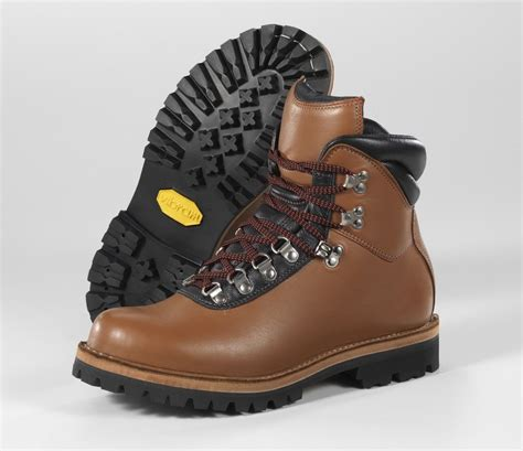 Handmade Hiking Boots - made esatto custom classic hiker color by