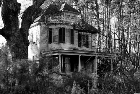 alone haunted house abandoned haunted house in the woods alone at night youtube