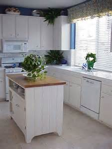 Small Kitchens With Island Islands For Small Kitchens Voqalmedia
