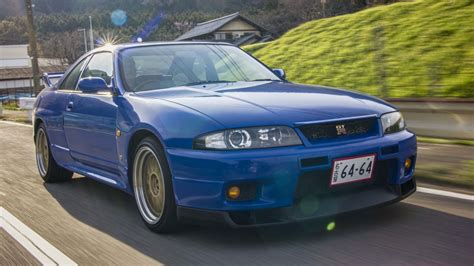 skyline nissan r33 the r33 nissan skyline gt r definitely doesn t drive like