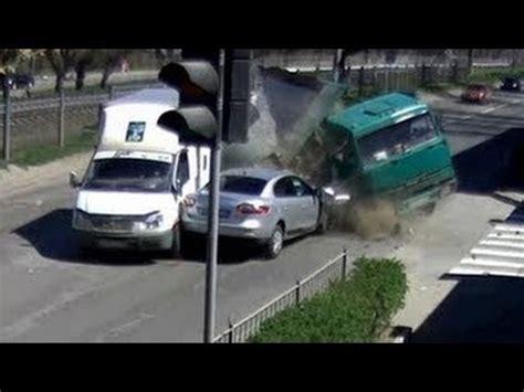 imagenes impresionantes de accidentes choques de autos impresionantes 2013 manejando a lo ruso